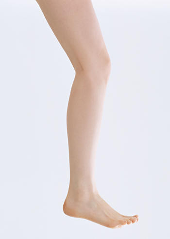Legs that Shine Free of Cellulites